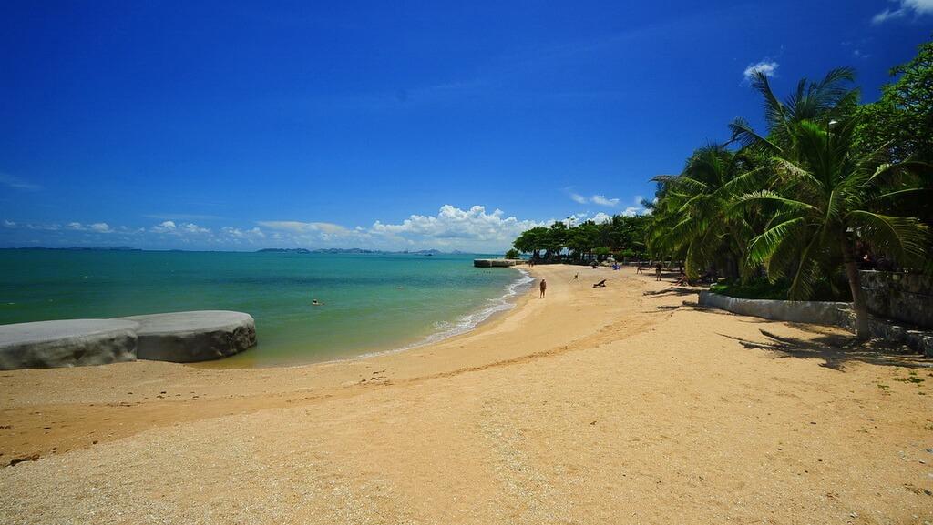 пляж наклуа бич фото отеля большая зеленая